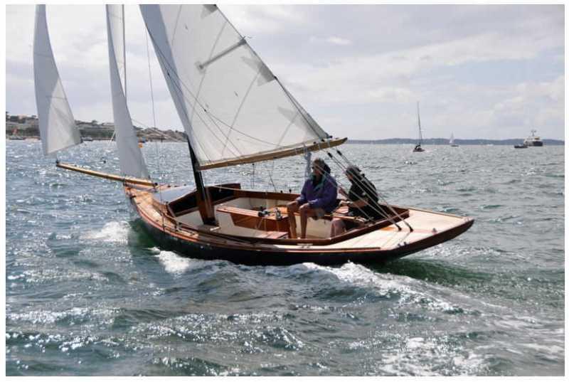 classic-daysailer-wood-lifting-keel-cutter-38542-3707343.jpg
